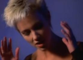 кадр из видеоклипа Roxette - It Must Have Been Love
