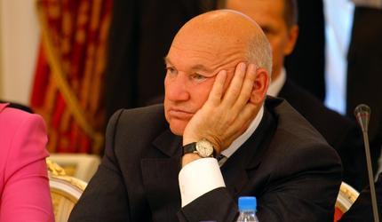 Лужков не следит за избирательной кампанией в Мосгордуму