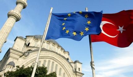 Евросоюз решил приостановить диалог с Турцией