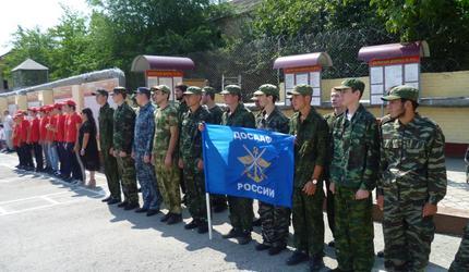 Кизлярские парни побывали в гостях у военнослужащих Росгвардии