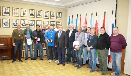 Победителей кубка России по практической стрельбе наградили в ДОСААФ России