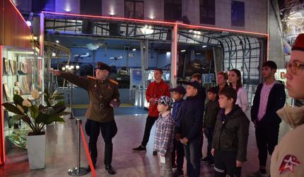 Люберецкие юнармейцы посетили парк «Патриот»