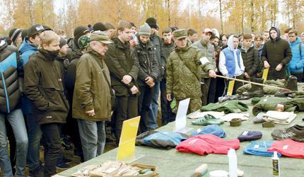 Один день в армии провели призывники Северной столицы