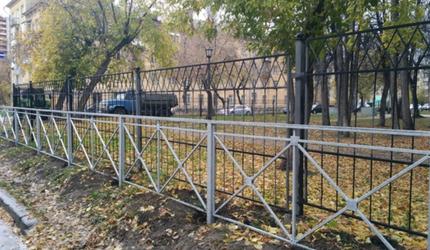 Умом Россию не понять, или Забор для забора в Новосибирске