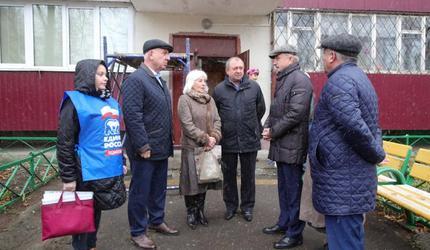 Владимир Ружицкий проинспектировал ход капитального ремонта дома