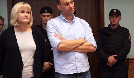 Навальный подал в суд на президента