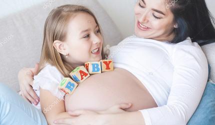 Украина прекратила выплаты пособий по беременности из-за нехватки денег