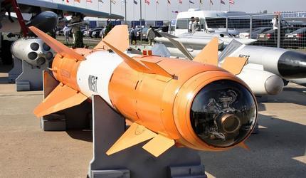 Двое военных случайно запустили авиационную ракету и поплатились