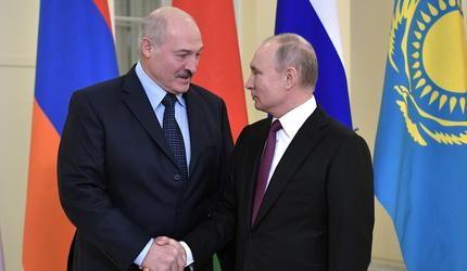 Путин поздравил Лукашенко с юбилеем Союзного государства