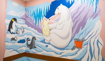В Шатурской детской поликлинике юные художники оформили стены