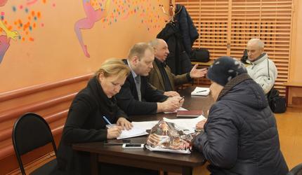 В деревне Левошево провели прием граждан