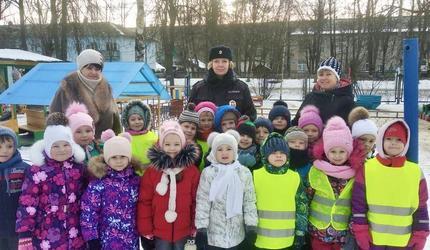 Сотрудники ОГИБДД МО МВД России «Шатурский» провели занятия с дошкольниками