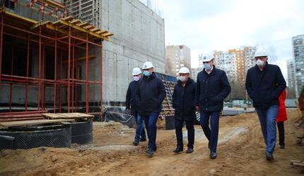 Глава Люберец проверил строительство пристройки к Кадетской школе