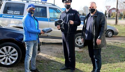 По 100 масок для сотрудников полиции и детской поликлиники