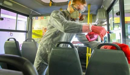 В подмосковных Люберцах ежедневно дезинфицируют общественный транспорт