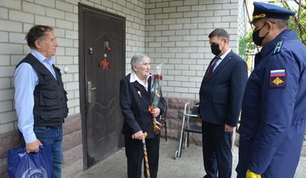 В Ставрополе поздравили ветерана Великой Отечественной войны
