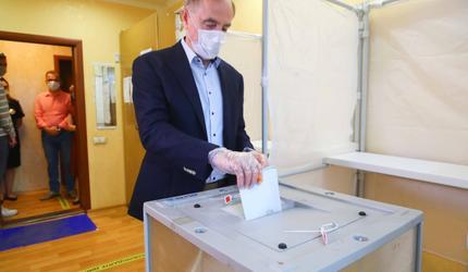Глава Люберец принял участие в голосовании по поправкам к Конституции РФ