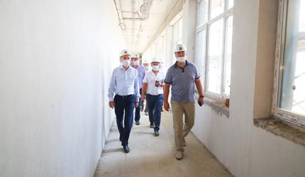 Глава подмосковных Люберец проверил строительство пристройки к Кадетской школе