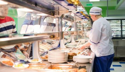 В подмосковных Люберцах возобновили работу кафе, рестораны, предприятия торговли