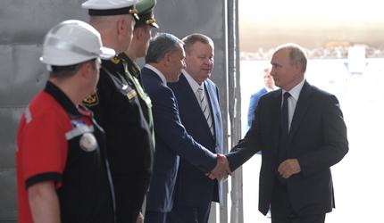 Путин принял участие в церемонии закладки боевых кораблей ВМФ