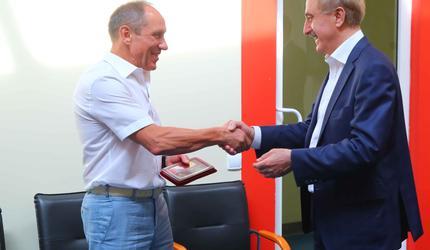 Глава подмосковных Люберец посетил крупнейшнее предприятие по выпуску соков