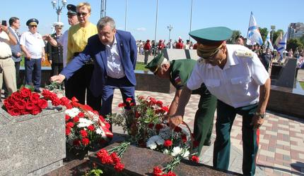 Председатель ДОСААФ России побывал на праздновании Дня ВМФ в Самаре