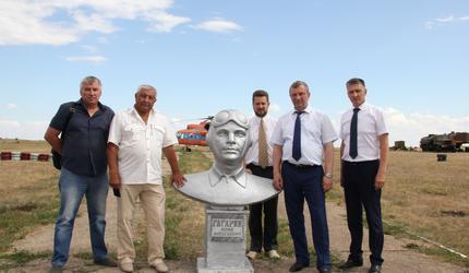 Александр Колмаков посетил Саратовский аэроклуб ДОСААФ