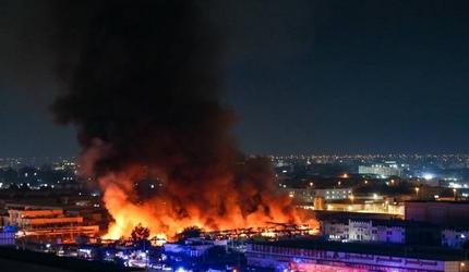Крупный пожар произошел на рынке в городе Аджман (ОАЭ)