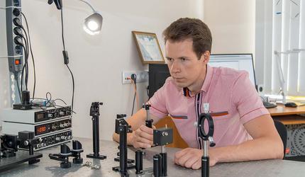 Ученые СПбПУ открыли новые явления в атоме