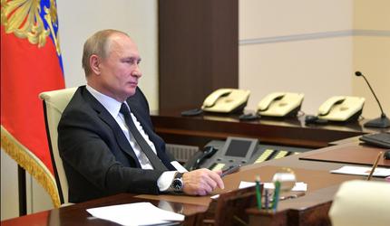 Путин провел телефонный разговор с президентом Франции Эммануэлем Макроном