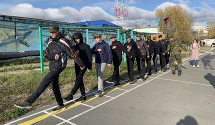 Парни Сургутского колледжа предпринимательства прикоснулись к армейской службе