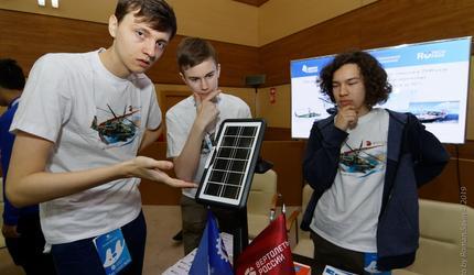 Выпускники «Тихоокеанской школы» представили инновационные проекты в ДВФУ