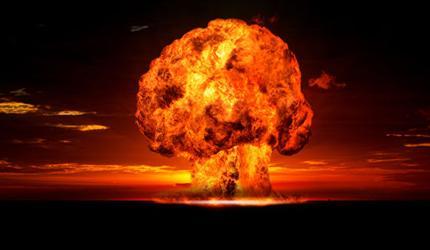 Эксперт: от ядерного апокалипсиса нас спасут не только женщины